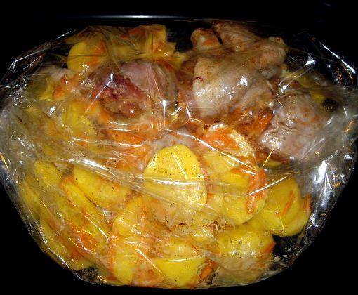 Картошка с курицей в пакете в духовке рецепт с пошагово
