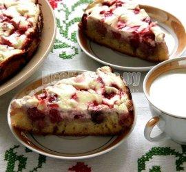 Рецепт пирога творожного с клубникой