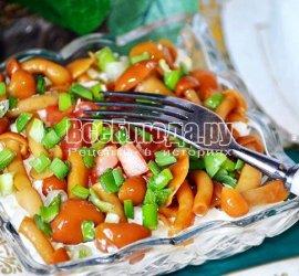 Рецепт с маринованными опятами салат
