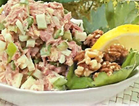 Диетический салат с консервированным тунцом рецепт